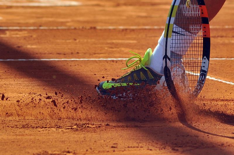 clay-court